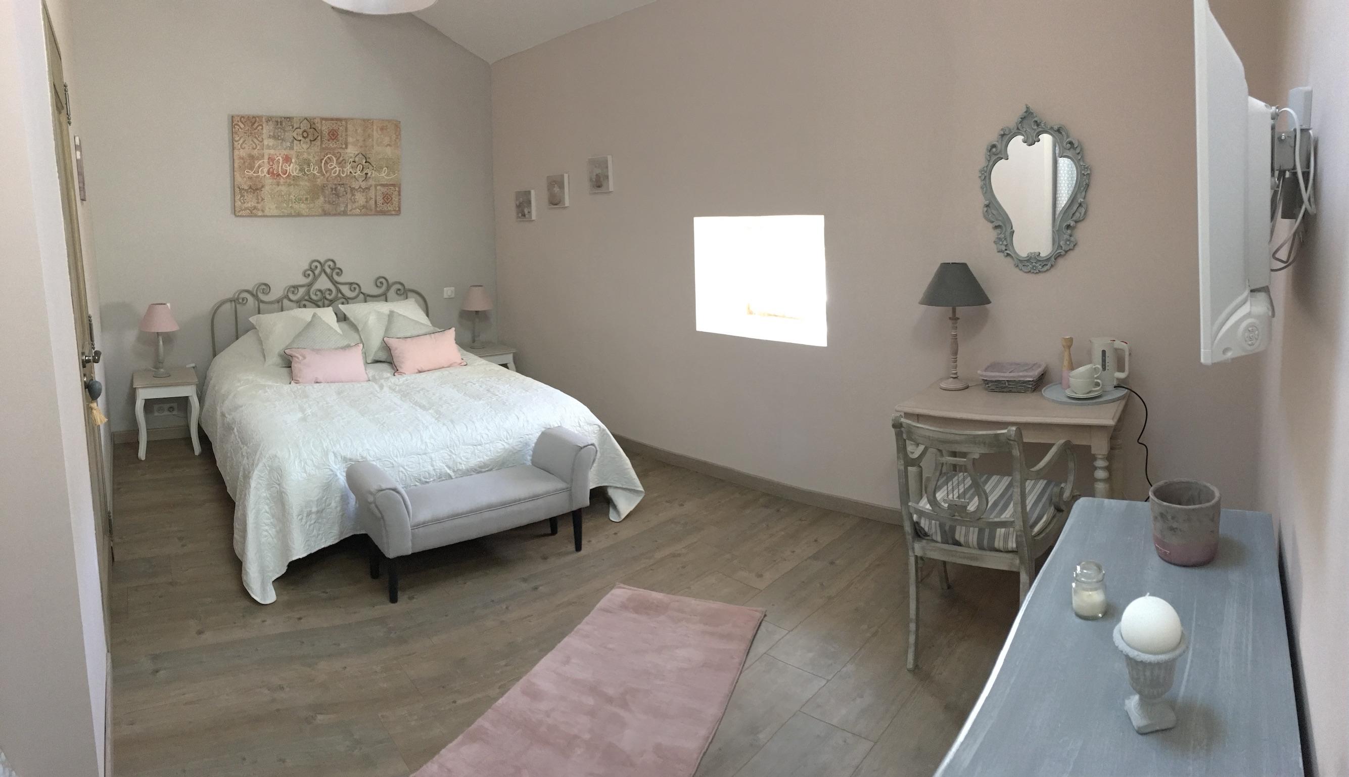 Suite fil de soie - chambre parentale 1 - La Bastide des Songes - Chambres d hotes Luberon - Vaucluse - Robion - Gordes - Cavaillon