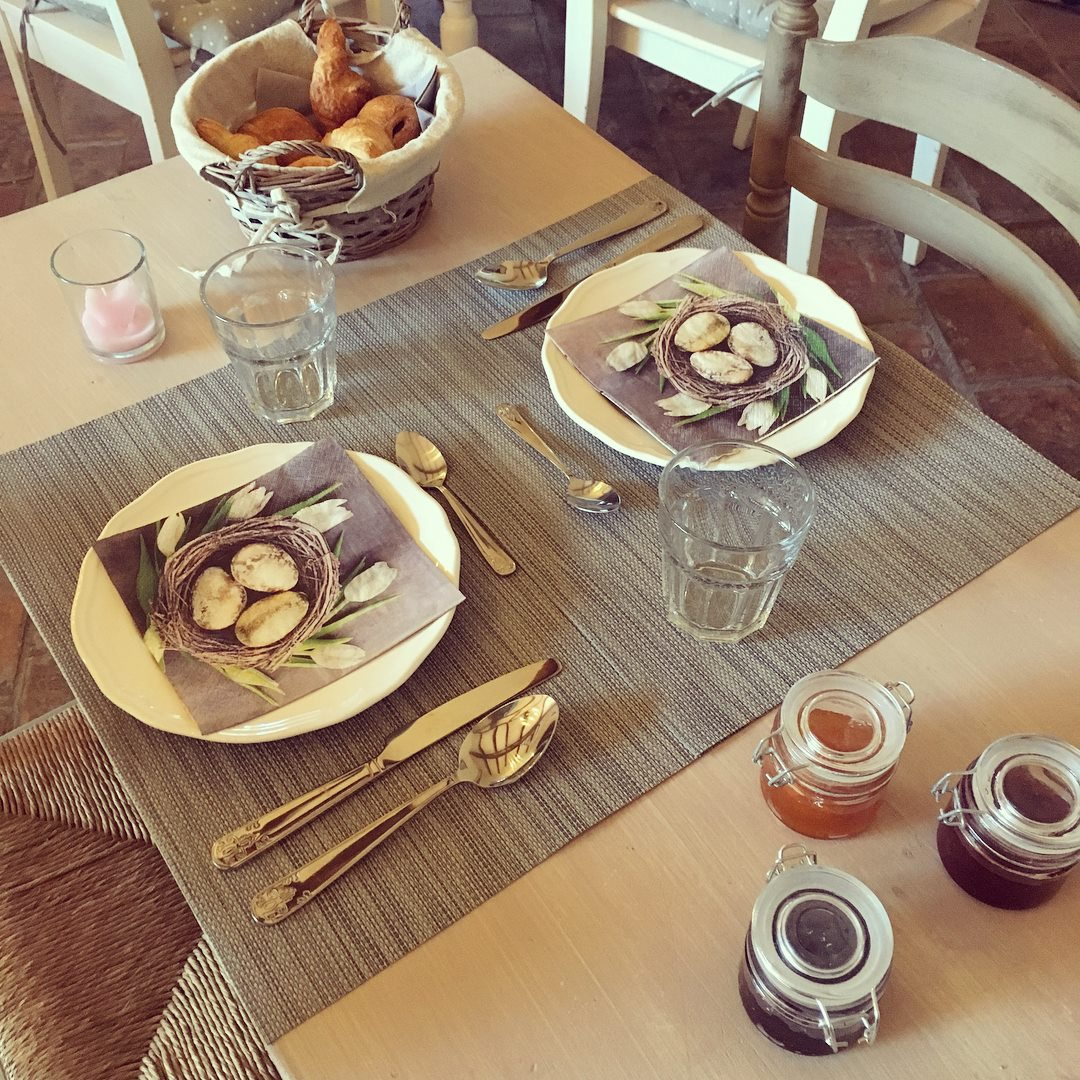Breakfast-La-Bastide-des-Songes-Bed and Breakfast-Luberon-Vaucluse