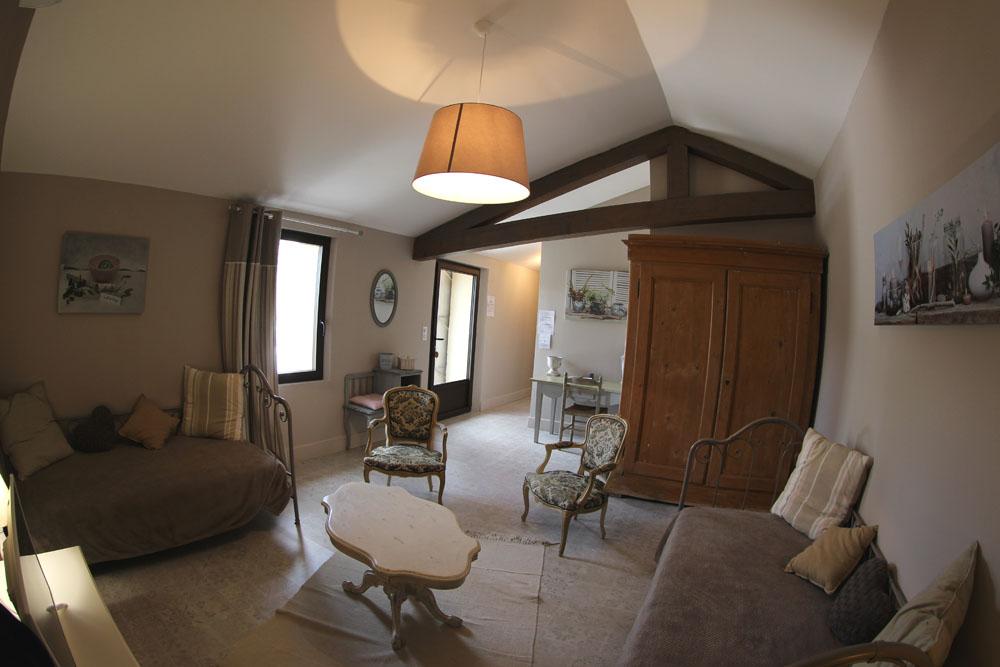 la bastide des songes - chambres d hotes - provence - luberon - robion - suite balneo dentelle - pano salon