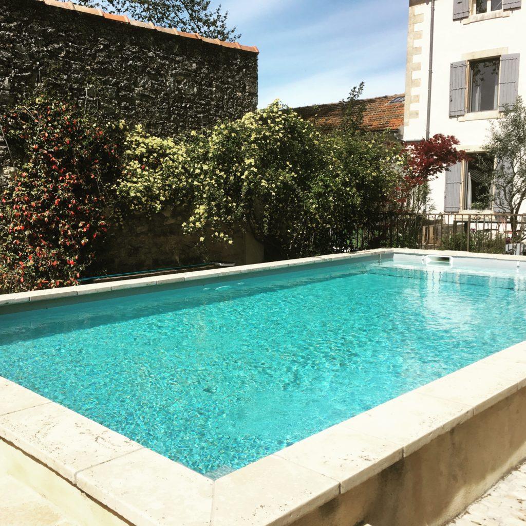 la bastide des songes - chambre d'hotes - luberon - provence - gordes - isle sur la sorgue - avignon - spa - jacuzzi - piscine chauffée - bed and breakfast - chambre d'hotes de charme - piscine