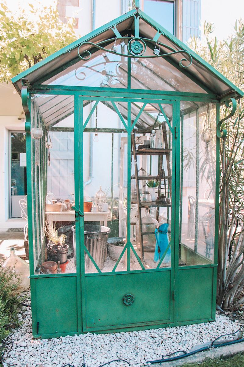 la bastide des songes - chambre hotes - luberon - provence - gordes - roussillon - isle sur sorgue - jardin - verriere