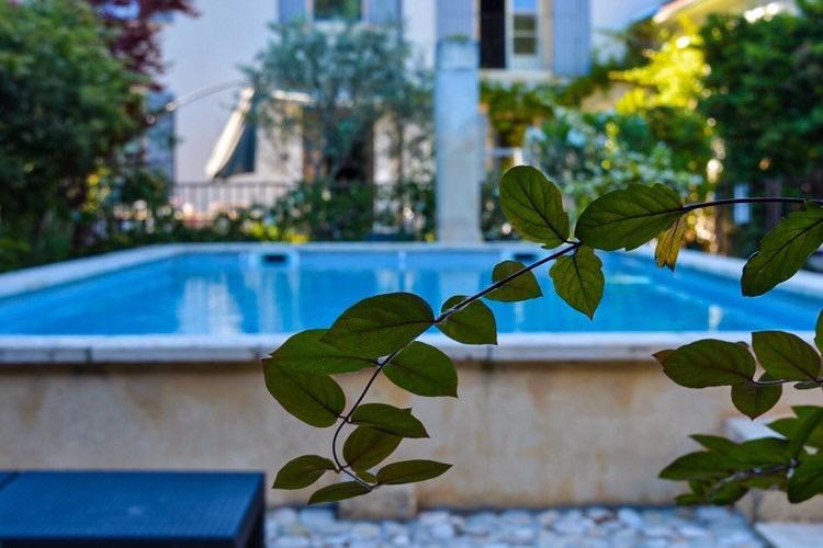 la bastide des songes - chambre hotes - luberon - provence - gordes - roussillon - isle sur sorgue - vue - piscine
