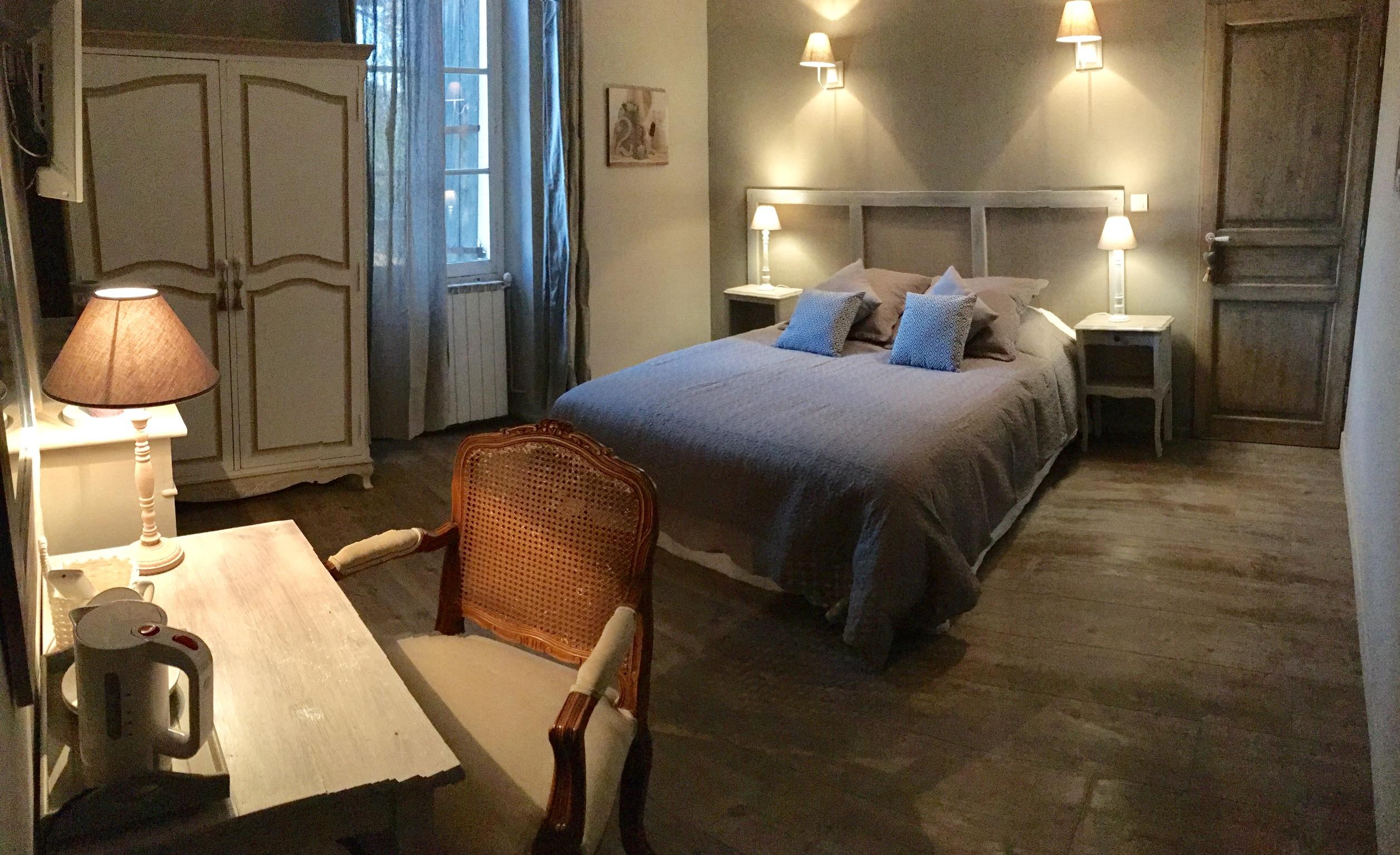 Chambre Voile de Lin 1 - La Bastide des Songes - Chambres d'hôtes Luberon - Vaucluse