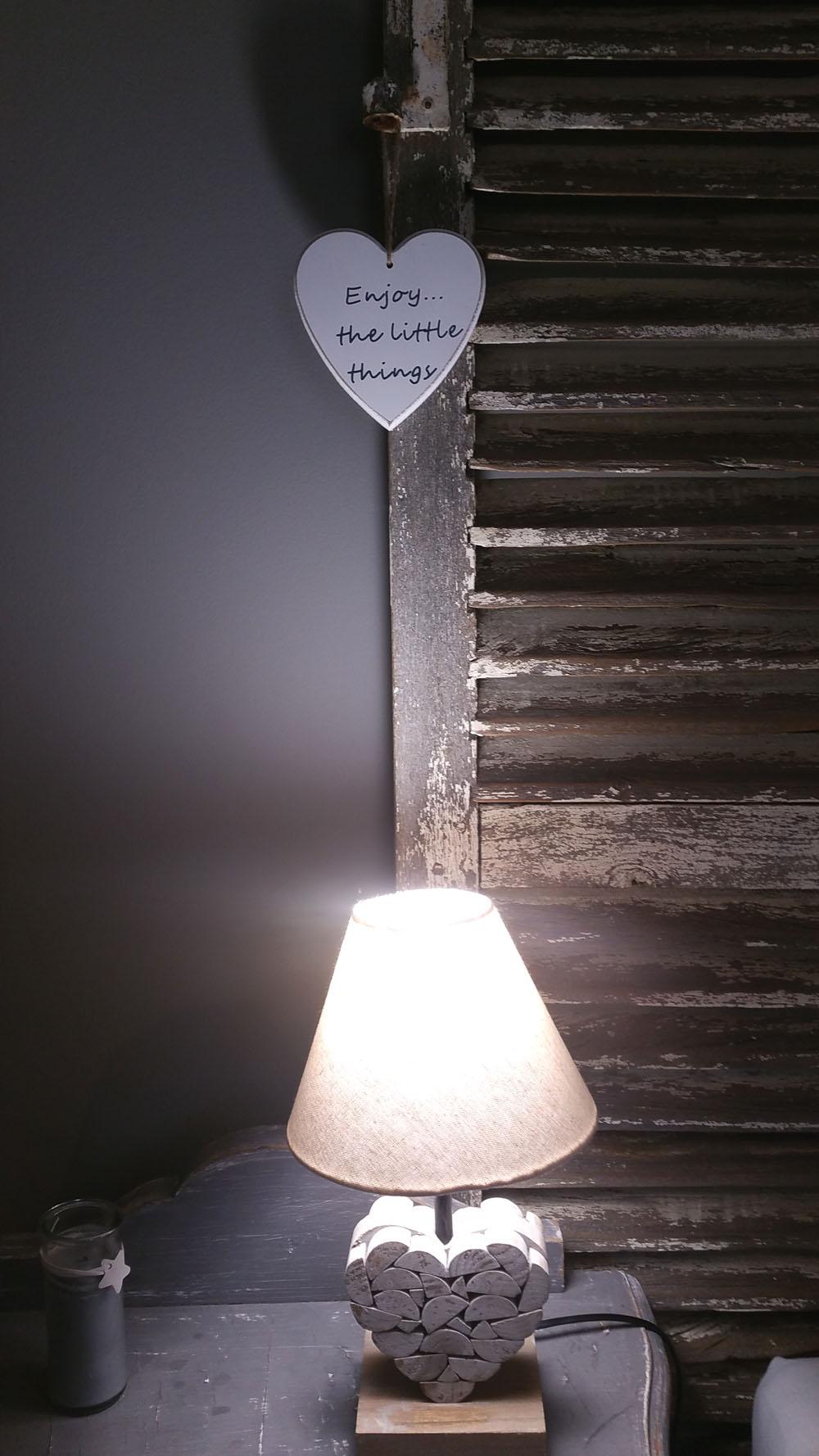 la bastide des songes - chambres d hotes - provence - luberon - robion - suite balneo dentelle - détail déco