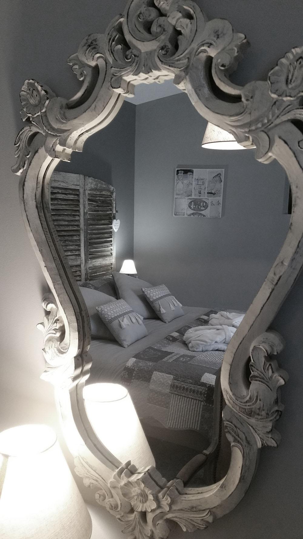 la bastide des songes - chambres d hotes - provence - luberon - robion - suite balneo dentelle - miroir