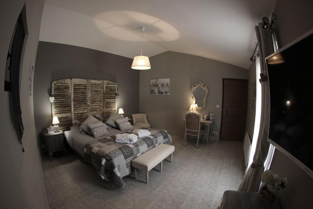 la bastide des songes - chambres d hotes - provence - luberon - robion - suite balneo dentelle - pano chambre