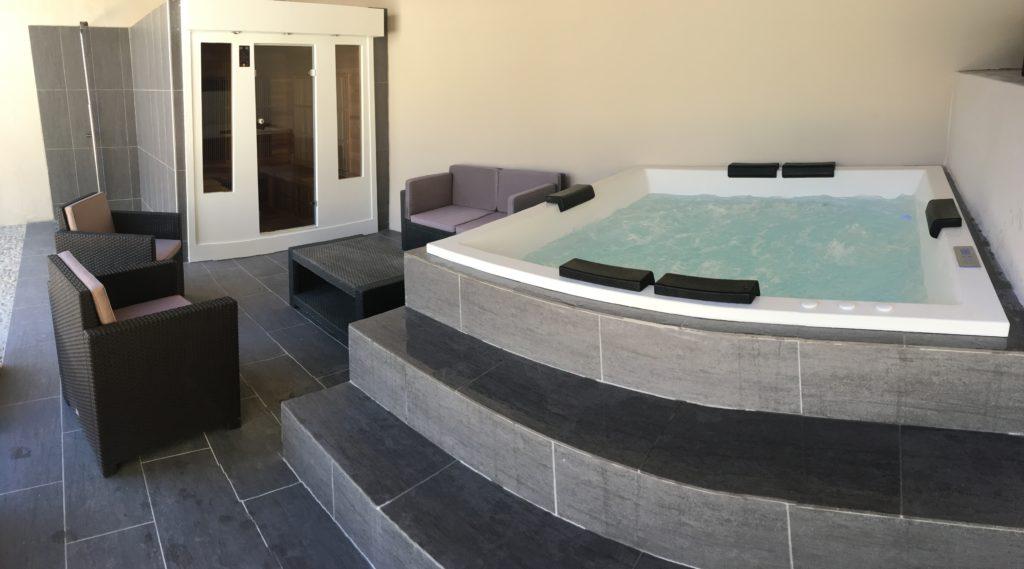 la bastide des songes - chambre d'hotes - luberon - provence - gordes - isle sur la sorgue - avignon - spa - jacuzzi - piscine chauffée - bed and breakfast - chambre d'hotes de charme - spa