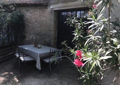 la bastide des songes - chambre d'hotes - luberon - provence - gordes - isle sur la sorgue - avignon - spa - jacuzzi - piscine chauffée - bed and breakfast - chambre d'hotes de charme - terrasse du gite