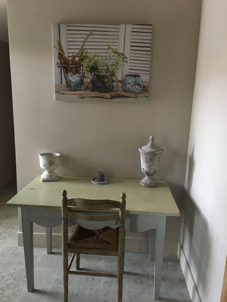 la bastide des songes - luberon - provence - gordes - isle sur la sorgue - jacuzzi - piscine chauffée - bed and breakfast - chambre d'hotes de charme - suite balneo - dentelle - lune de miel - bureau