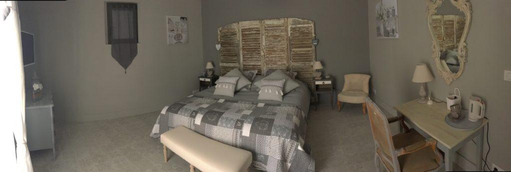 la bastide des songes - luberon - provence - gordes - isle sur la sorgue - jacuzzi - piscine chauffée - bed and breakfast - chambre d'hotes de charme - suite balneo - dentelle - lune de miel - chambre
